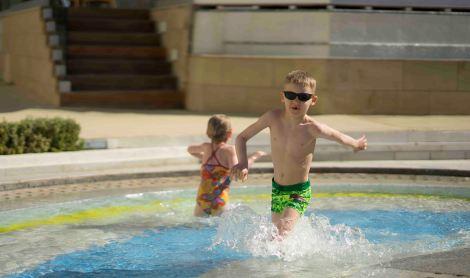 Lapsed basseinis